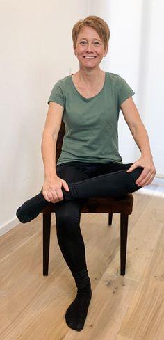 8 Übungen um deine ISG-Blockade zu lösen (inkl. 3 Videos) Fitness Workouts, Yoga Fitness, Fitness Motivation, Health Fitness, Back Pain, Pilates, Massage, Sporty, Beauty