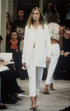 Prada Womenswear Spring Summer 1991 - Fashion Show   Prada.com, Look (7)