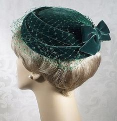 Example of a pillbox hat, smother hat style that was really popular in the Please make sure that any veils don't cover too much of your face. 1950s Hats, Vintage Outfits, Vintage Fashion, 1930s Fashion, Vintage Shoes, Victorian Fashion, Pillbox Hat, Millinery Hats, Beanies