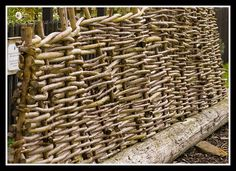 Wattle Fence - top, bottom and side detail