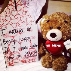 Adorable Promposal. Be mine! <3