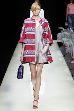 Giorgio Armani Spring 2016 Ready-to-Wear Collection Photos - Vogue