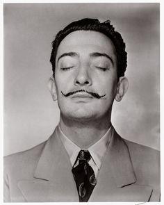 Horst P. Horst, portrait of Salvador Dali. Man Ray, Robert Mapplethorpe, Robert Doisneau, Famous Artists, Great Artists, Famous Books, Matthieu Bourel, Horst P Horst, Eyes Closed