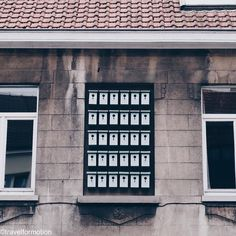 #house with a lot of #little #houses #ghent #gent #visitgent #ghentcity #visitflanders #vsco #vscocam #wanderlust #travel #belgium #belgium_unite #bird #birdhouses #prinsenhof