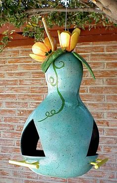 Bonnie Gibson gourd birdhouse....l want one, I absolutely love this