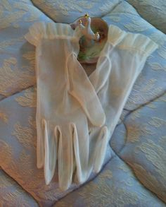 Vintage sheer gloves ladies nylon gloves ruffled by Pastelvintage