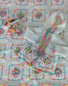 Picture of Pinwheel Baby Layette Crochet Pattern