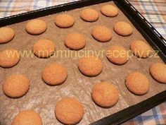 Nadýchané perníčky s povidly Muffin, Breakfast, Food, Morning Coffee, Essen, Muffins, Meals, Cupcakes, Yemek