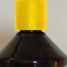 Huile de paraffine jaune pour lampe à huile ou torche de jardin.