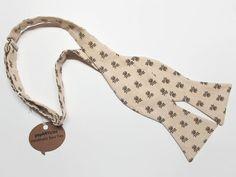 Freestyle Tan Bow Tie  Oak Leaf Bow Tie  Self-Tie by popARTicles