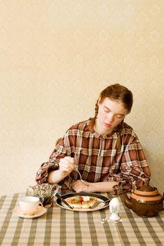 トレンドのボリューム袖は、チェックで差をつけて。|きゅっとボリューム袖のチェックトップス〈ブラウンチェック〉 World Of Color, Syrup, Good Morning, Graphics, Autumn, Colours, Couple Photos, Couples, Women
