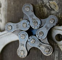 Recycled bike chain Star Fridge Magnets...very cool...from BeatriceHoliday on Etsy
