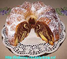 Pruhovaná bábovka Fondant Flower Cake, Fondant Cakes, Fondant Bow, Fondant Tutorial, Fondant Figures, Bunt Cakes, Dog Cakes, Animal Cakes, Modeling Chocolate