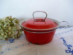 Vintage Töpfe - ••●✿ MES kleiner Topf Emaille rot ✿●•• - ein Designerstück von traumtaenzerlein bei DaWanda