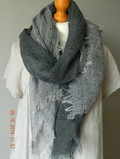 NEW BOHEMIAN LARGE WEAVEGREY  LINEN SCARF FRAYED EDGE MADE IN ITALY LAGENLOOK UK