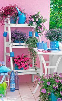 Painting an outdoor scene - View every wall as an opportunity! Outdoor Areas, Mother Nature, Balcony, Color Blue, Opportunity, Garden Ideas, Landscaping, Sweet Home, Home And Garden