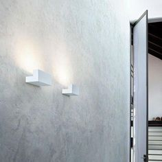 haus® is official stockist of all Flos lighting. Designed in 2011 by Piero Lissoni, the Long Wall Light diffuses indirect light with elegant simplicity. Thanks to LED technology, this wall light combines energy efficiency and lighting performance. Contemporary Wall Lights, Modern Wall Sconces, Modern Lighting, Ceiling Lamp, Ceiling Lights, Long Walls, Long Lights, Outdoor Sconces, Philippe Starck