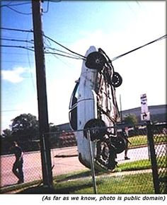Home of Weird Pictures, Strange Facts, Bizarre News and Odd Stuff Strange Cars, Weird Cars, Strange Things, Funny Car Accidents, Dodge, Jorge Martinez, Youre Doing It Wrong, Photo Images, Fotografia