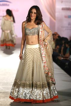 Love the sequined blouse on this lehngha.