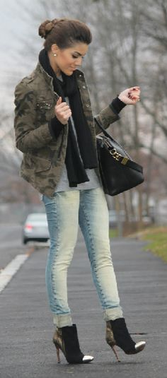 Army Jacket, jeans, but different shoes