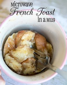 French Toast in a Mug This Microwave French Toast in a Mug is so easy for a busy school morning. My kids love this recipe!This Microwave French Toast in a Mug is so easy for a busy school morning. My kids love this recipe! Breakfast In A Mug, Breakfast Recipes, Dessert Recipes, Morning Breakfast, Easy Recipes For Desserts, Quick Breakfast Ideas, Desserts Diy, Gourmet Desserts, Perfect Breakfast