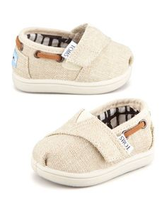 Tiny Burlap Bimini Shoe, Natural by TOMS at Neiman Marcus. Baby Toms are Precious! Baby Toms, Little Babies, Cute Babies, Cute Baby Boy Names, Mode Hipster, Cute Baby Shoes, Baby Boy Shoes, Infant Boy Shoes, Baby Boys Clothes