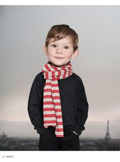 I'm a firm believer that little people look adorable in scarves. Case in point!