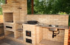 кирпичный мангал - Поиск в Google Barbecue Design, Barbecue Area, Bbq Grill, Outdoor Oven, Outdoor Cooking, Pizza Oven Fireplace, Brick Grill, House Plants Decor, Summer Kitchen