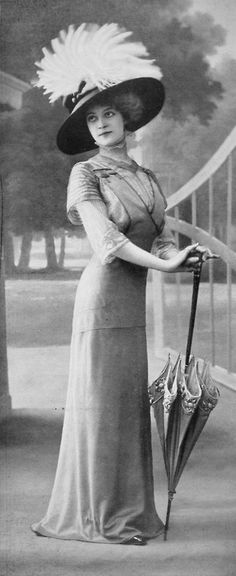 les-modes:  Afternoon dress by Paquin, photo by Félix,Les Modes July 1909.
