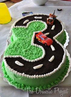 kuchen ideen Are you on the hunt for some Number Cakes Ideas? We've put together a collection of inspiration that will be perfect for your next party. Race Car Birthday, Cars Birthday Parties, Cake Birthday, Birthday Ideas, Hotwheels Birthday Cake, 3rd Birthday Party For Boy, Birthday Gifts, Happy Birthday, Cake Disney