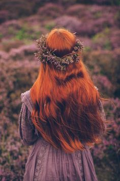 heatherhills-40 Medieval Hairstyles, Early Spring Flowers, Foto Art, Ginger Hair, Shades Of Purple, Clothes Horse, Her Hair, Redheads, Character Inspiration