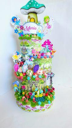 #Tartadechuches inspirado en el mundo màgico de las #hadas. #Cumpleaños bonitos. Candy Birthday Cakes, Birthday Sweets, Candy Cakes, Birthday Crafts, Birthday Cake Girls, Cupcake Cakes, Birthday Parties, Food Bouquet, Candy Bouquet