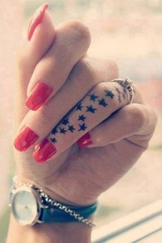 finger tattoos look cool, but it hurts :c