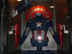 Captain America Suit - The Avengers Steve Rogers' suit in its case