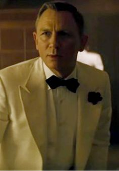 James Bond is nothing less than a male fashion god and an ultimate source of inspiration for all his followers. Every modern gentleman has learned atleast one thing from 007 that how to nail their looks in a tuxedo. In the latest installment of the franchise Bond has continued the trend of looking dapper as he moved back to the classics for his wardrobe in Spectre.