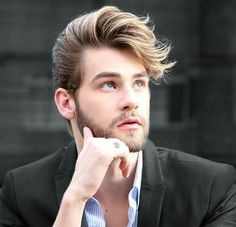 If you want a sexy professional haircut like that of famous men, you can be inspired by our regular haircuts gallery. Mens Hairstyles 2018, Cool Hairstyles For Men, Classic Hairstyles, Trendy Haircuts, Popular Haircuts, Haircuts For Men, Hair And Beard Styles, Curly Hair Styles, Natural Hair Styles