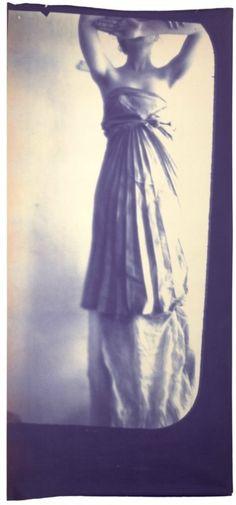 "Francesca Woodman ""Caryatid"", 1980 // Guggenheim"