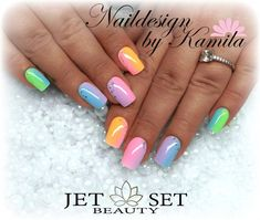 Naildesign by Kamila Achatz Jet Set Beauty training center and nail studio in Furth im Wald. Colorful Nail Designs, Gel Nail Designs, Hawaiian Nails, Ambre Nails, Pearl Nails, Nagellack Design, Nail Effects, Nail Design Video, Rainbow Nails