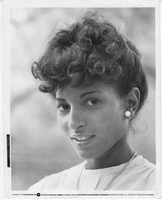 A young Pam Grier. Black Love Art, My Black Is Beautiful, Beautiful People, Beautiful Women, Beautiful Soul, Black Actresses, Black Actors, Black Celebrities, Celebs