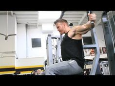 Top 3 Workouts for Powerful Pecs – How to Get a Bigger Chest - ProsBodyBuilding. Boxing Lessons, Chest Workouts, Chest Exercises, Workout Machines, Fitness Machines, Chest Muscles, Weight Benches, Muscle Training, Bodybuilding Workouts