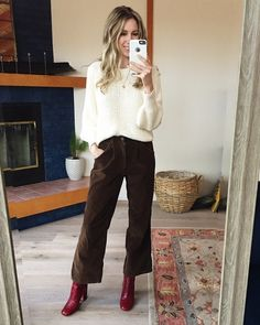 Pants are vintage cropped corduroys and boots are old Zara, I linked to some similar! Boho Work Outfit, Boho Outfits, Skirt Outfits, Casual Outfits, Fashion Outfits, Fall Winter Outfits, Autumn Winter Fashion, Work Fashion, Fashion Looks