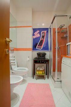 Casinha colorida: Um apartamento de frequentador de mercados de pulgas