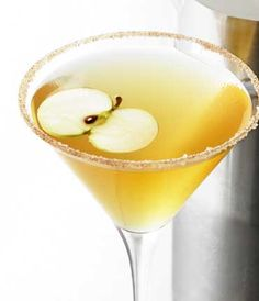 Fresh Fall Cocktail --The Apple Crisp Martini-- This is significantly more sophisticated than all those horrid neon green appletini's we've become so used to.