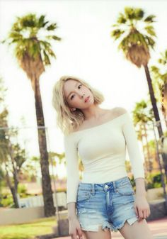 Taeyeon #SNSD #GIRLSGENERATION #KPOP #taeyeon - 2nd Mini 'WHY' photo book SNSD Taeyeon