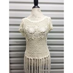 Vintage Crochet Top In great condition! Size small. Tops
