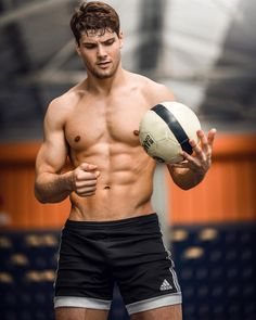 Masculinity and Male Form Body Transformation Men, Shirtless Hunks, Gym Quote, Muscle, Athletic Men, Athletic Body, Male Form, Sport Man, Body Inspiration