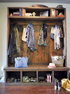 Mudroom Design, Pictures, Remodel, Decor and Ideas - page 22