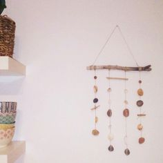 Hanging mobile! Handmade hanging mobile donne with shells, stones, woods and love. #handmade #decoration #homedecoration #home #house #hangingmobile #deco #decor #beachhouse #beachstyle #Barcelona #castelldefels