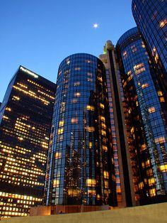 Westin Bonaventure Hotel em Los Angeles. Arquitetura pós-moderna genial.