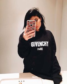 Kendall & Kylie Jenner style and news Kylie Jenner Fotos, Outfit Kylie Jenner, Kris Jenner, Moda Kylie Jenner, Looks Kylie Jenner, Kylie Jenner Makeup, Kylie Jenner Style, Kendall And Kylie Jenner, Kylie Jenner Phone Case